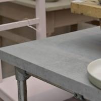 Tafelblad Mattone scuro -beton-steigerbuizen onderstel – Industriale