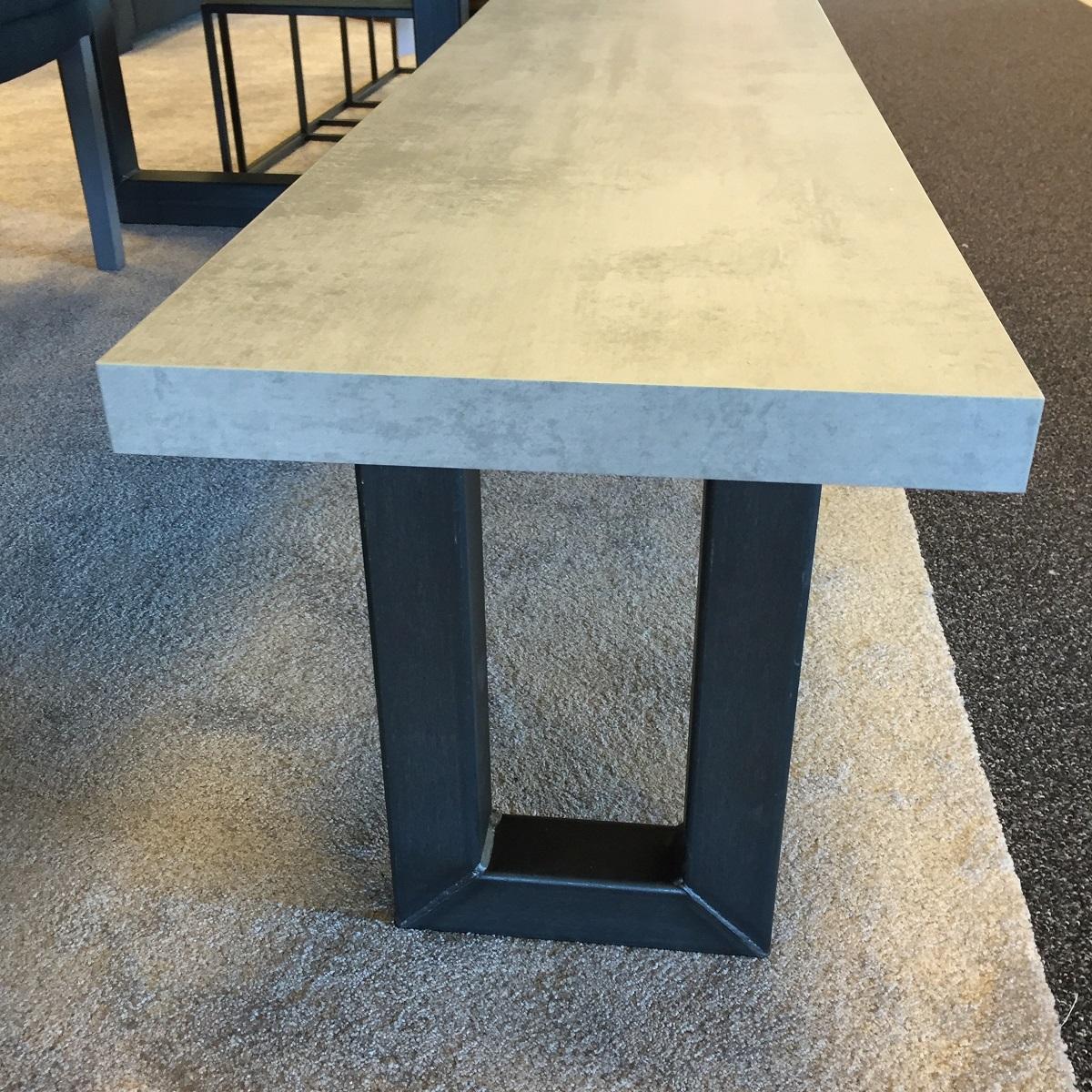 Modellen tavolo enzo - Eettafel beton wax ...
