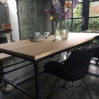 Tavolo enzo – tafel – eiken – zwart onderstel – buizen – Industriale – stoel Dahlia – VT wonen