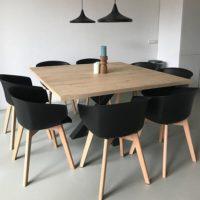 Tafel – eiken – vierkant – bar legno – stalen onderstel – spinpoot – stoelen – Tavolo enzo-site
