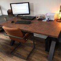 bureau – tafel – roest – ruggine – stalen onderstel – Tavolo enzo