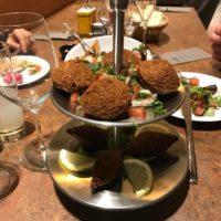 little beiroet restaurant tafels Ruggine – roest met eten