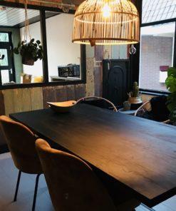 Zwart houten meubels