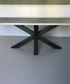 Eettafel betonlook mattone scuro stalen spinpoot