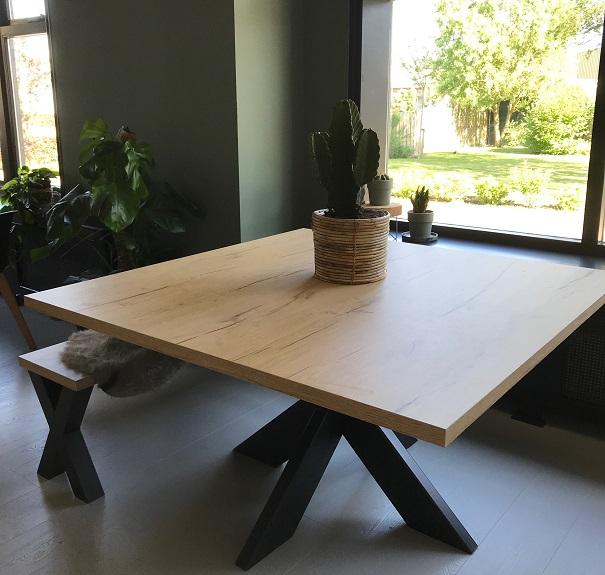 Vierkante Eettafel 130x130.Eettafel Vierkant Eiken Hout Look Bar Legno Met Spinpoot