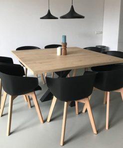 Eikenhouten meubels