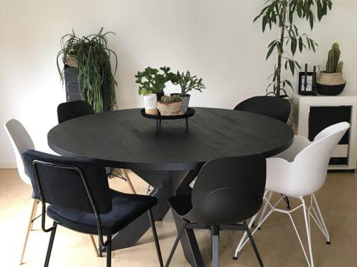 Zwarte eettafel eiken houtlook Nero ruvido