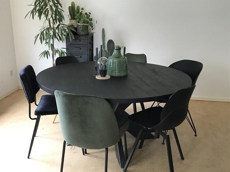 Wonderbaarlijk Zwarte ronde eettafel Nero ruvido met spinpoot kopen? | Tavolo enzo DP-78